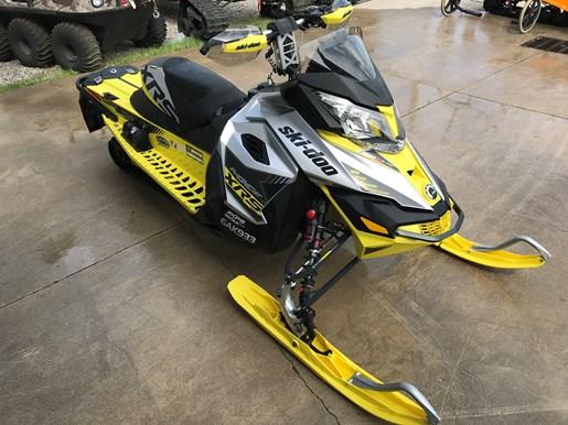 2016 Ski-Doo MXZ XRS 800 E-TEC Photo 7 of 9