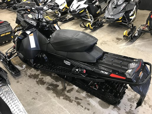 2017 Ski-Doo MXZ X 1200 4-TEC Photo 3 of 6