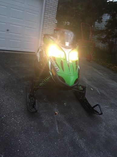 2010 Arctic Cat Z1 Photo 3 of 6