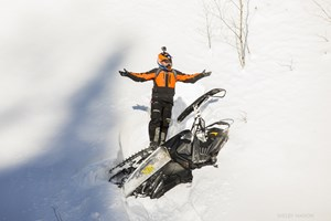 Snowmobile wipe out on 2017 Polaris Switchback Assault 144