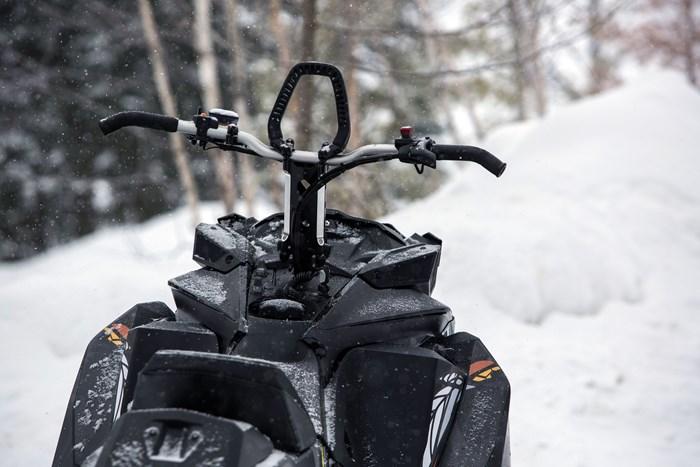 2017 Ski-Doo Summit X 850 Handlebars