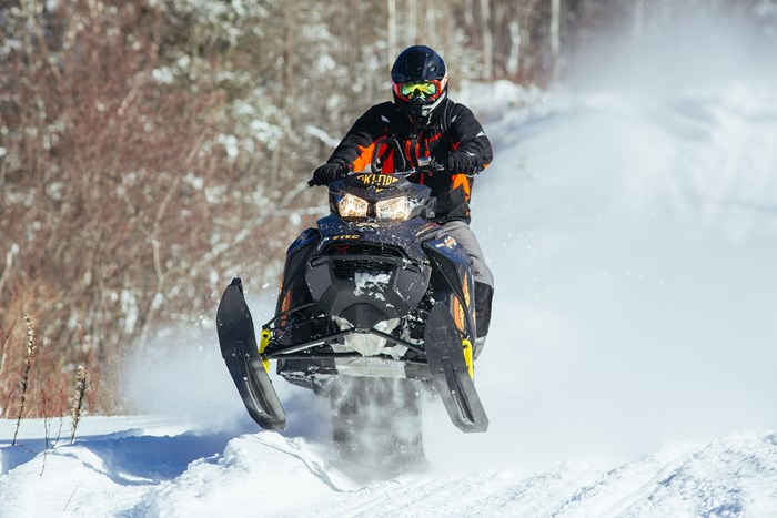 2017 Ski-Doo Summit X 850 cover
