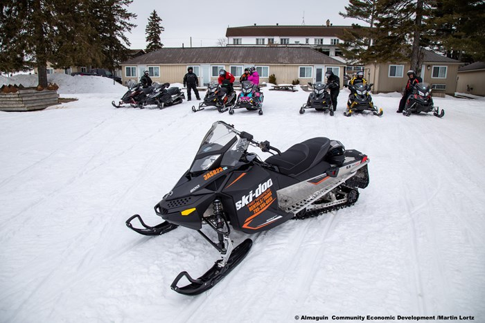 Almaguin Highlands Snowmobiling - Martin Lortz - 20022625-edit