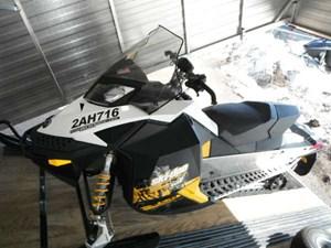Ski-Doo MX Z TNT E-TEC 600 H.O. 2011