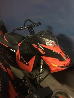Ski-Doo Renegade Backcountry E-TEC 600 H.O. Black / Race O 2016