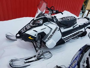 Polaris 800 Titan SP 155 White Lightning 2018
