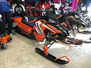 Polaris 800 Switchback Assault Black Pearl / Orange Burst 2019