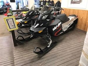 Ski-Doo 2 LEFT! Summit Sport 146 600 $116 B/W 2018