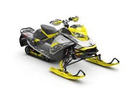 Ski-Doo MXZ® X-RS® Ripsaw 1.25 Adj. Pkg. Rotax® 2018