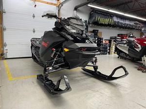 2021 Ski-Doo Backcountry™ X-RS® Rotax® 850 E-TEC® 146