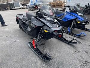 2020 Ski-Doo Renegade® X Rotax® 850 E-TEC® Ad. Pkg Ic