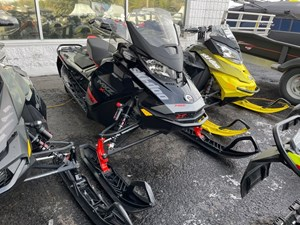 2020 Ski-Doo MXZ® X-RS® Rotax® 850 E-TEC® Ice R. XT 1