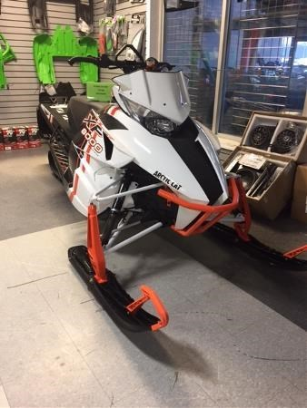 2015 Arctic Cat XF 8000 High Country Limited Photo 2 of 4