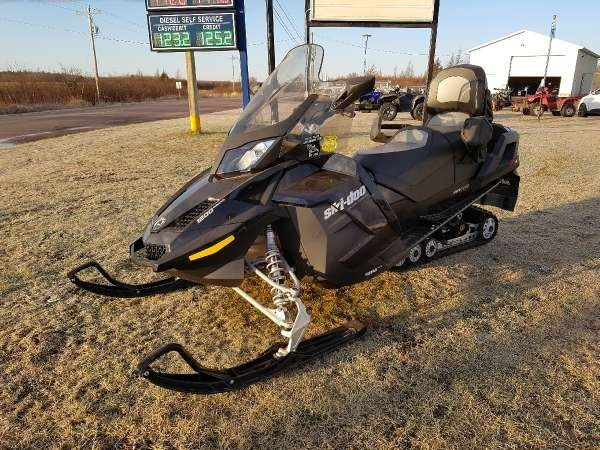 2015 Ski-Doo Grand Touring SE 4-TEC 1200 Photo 1 of 5