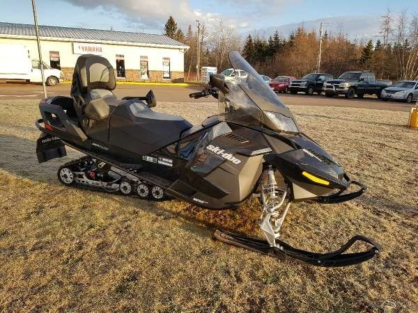 2015 Ski-Doo Grand Touring SE 4-TEC 1200 Photo 3 of 5