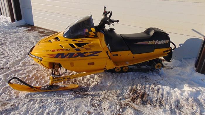 1999 Ski-Doo MXZ 670 Photo 2 of 5