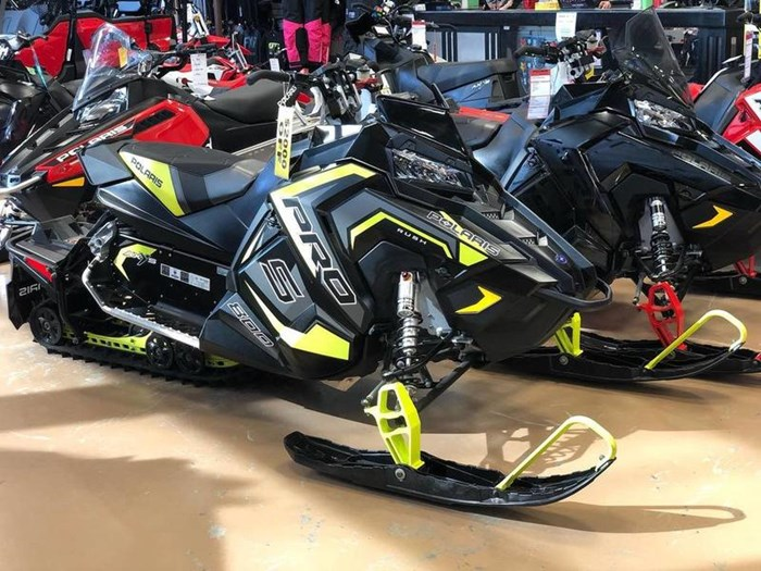 2018 Polaris RUSH® PRO-S 800 LE Photo 1 of 3