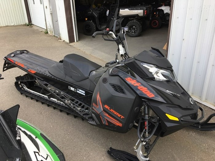 2015 Ski-Doo Summit® X® 800 E-Tec 174 T3 Photo 1 of 2