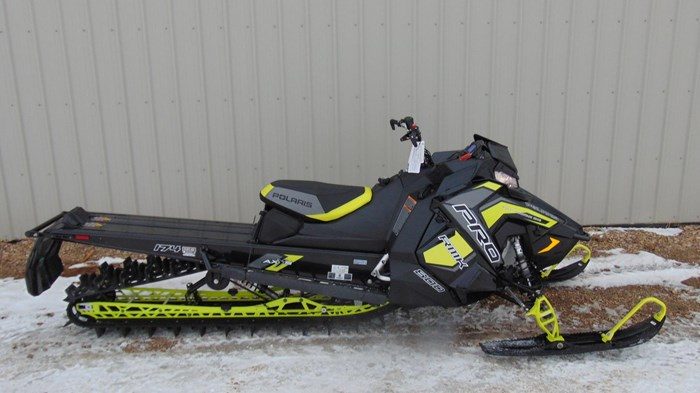 "2019 Polaris 174 3"" 800 Pro RMK Snow Check, Photo 1 of 6"