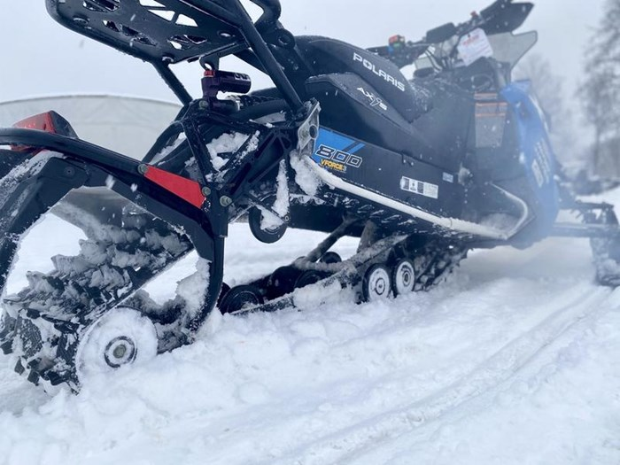 2018 Polaris Switchback® XCR 800 H.O. Cleanfire® 137 Photo 8 of 19