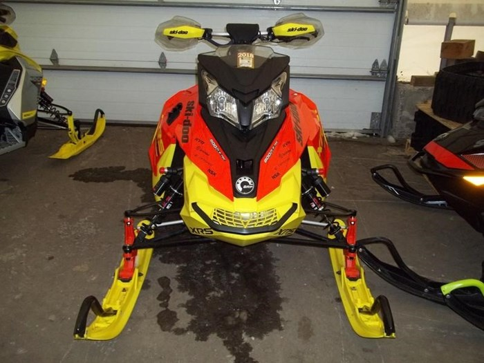 2015 Ski-Doo MXZ® X-RS® Rotax® 800R E-TEC® Photo 3 sur 5
