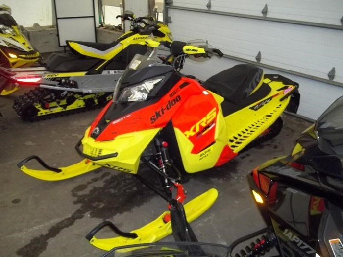 2015 Ski-Doo MXZ® X-RS® Rotax® 800R E-TEC® Photo 4 sur 5