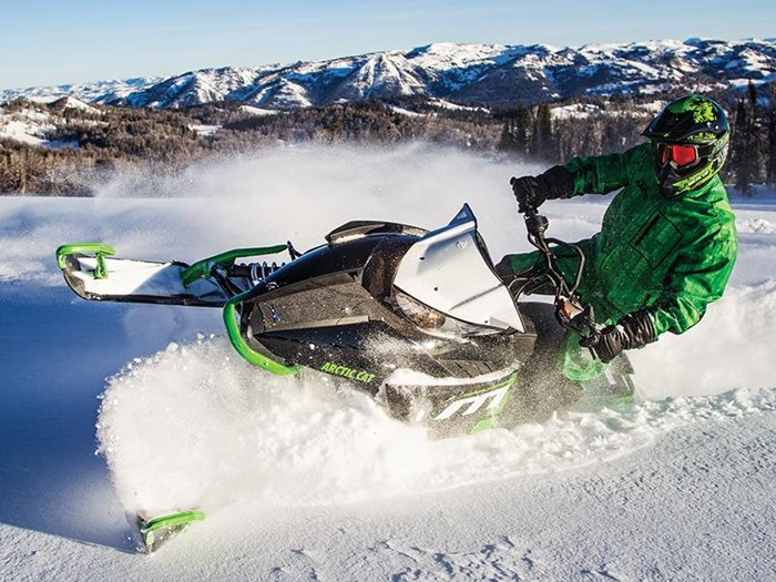 2017 Arctic Cat M 8000 SE ES (153) Photo 3 of 4