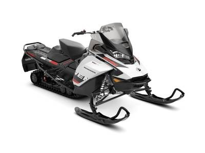 2019 Ski-Doo Renegade® Adrenaline 900 ACE White & Bla Photo 1 sur 1