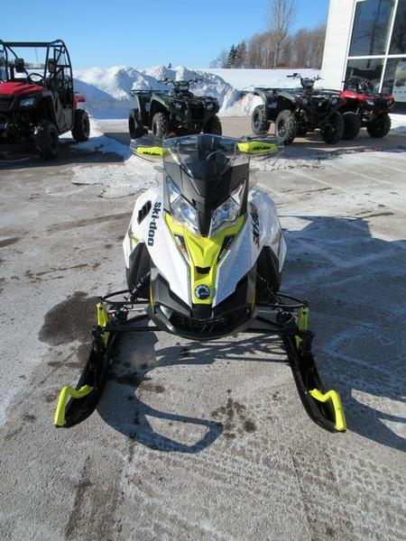 2016 Ski-Doo MXZ® X® Rotax® 800R E-TEC® White/Sunburs Photo 3 of 12