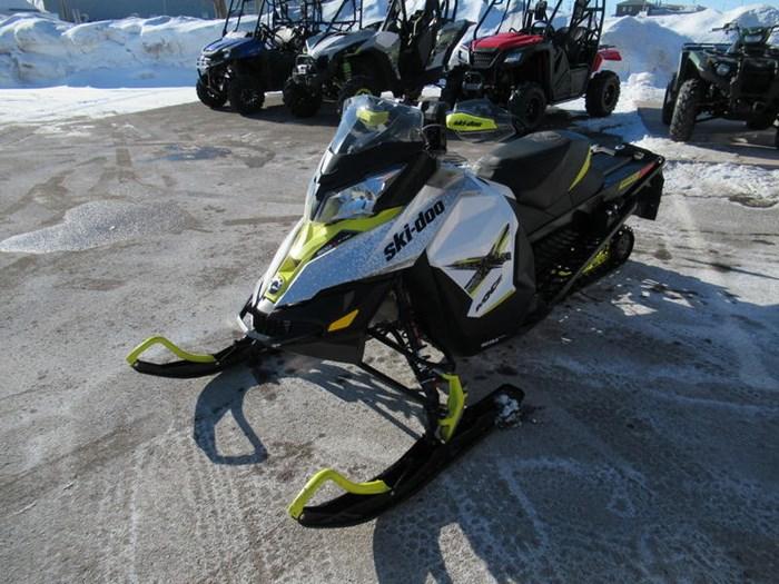 2016 Ski-Doo MXZ® X® Rotax® 800R E-TEC® White/Sunburs Photo 4 of 12
