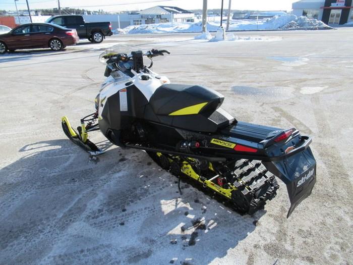 2016 Ski-Doo MXZ® X® Rotax® 800R E-TEC® White/Sunburs Photo 6 of 12
