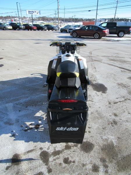 2016 Ski-Doo MXZ® X® Rotax® 800R E-TEC® White/Sunburs Photo 7 of 12