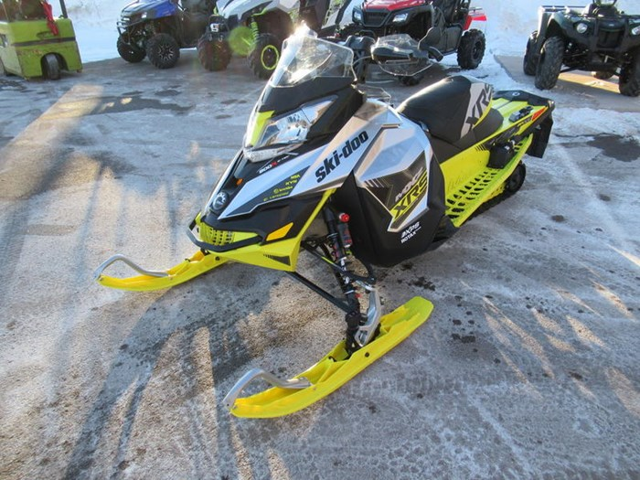 2016 Ski-Doo MXZ® X-RS® ROTAX 800R E-TEC Photo 4 of 12