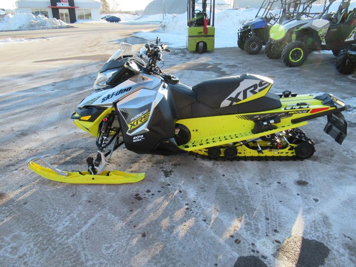 2016 Ski-Doo MXZ® X-RS® ROTAX 800R E-TEC Photo 5 of 12