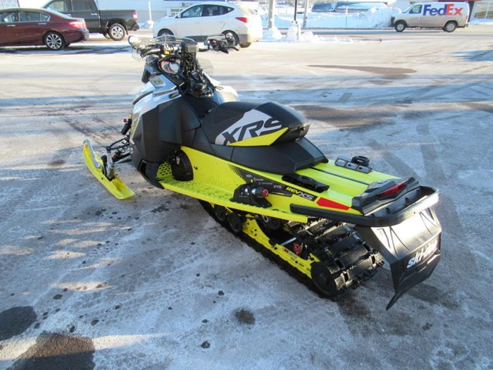 2016 Ski-Doo MXZ® X-RS® ROTAX 800R E-TEC Photo 6 of 12
