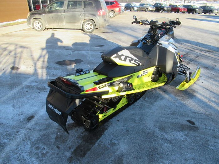 2016 Ski-Doo MXZ® X-RS® ROTAX 800R E-TEC Photo 8 of 12
