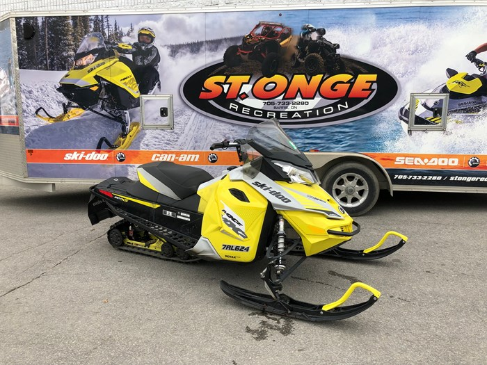 2015 Ski-Doo TNT 800 ETEC Photo 1 of 8