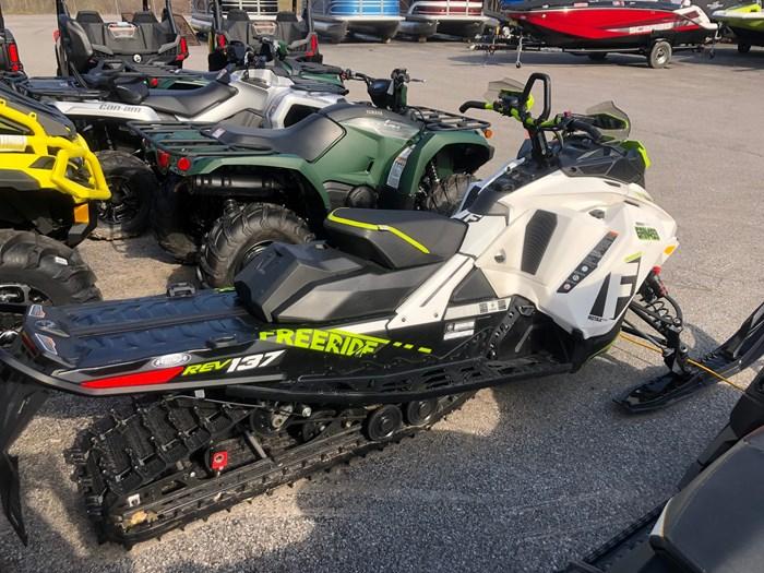 2018 Ski-Doo Freeride 137 Photo 9 of 13