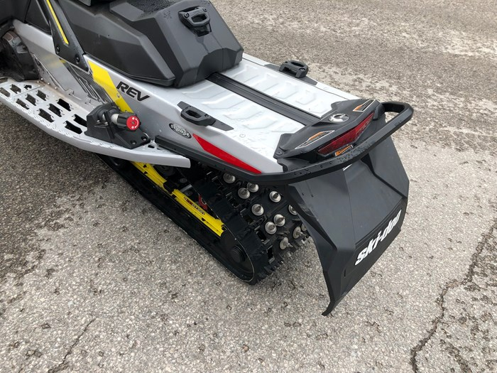 2018 Ski-Doo MXZ XRS 850 ETEC Photo 4 of 6