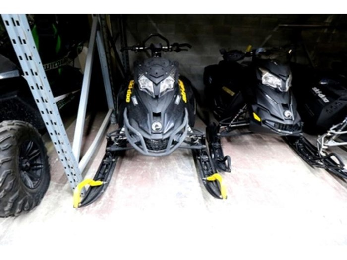 2014 Ski-Doo Renegade Adrenaline 800R E-TEC Photo 2 of 10