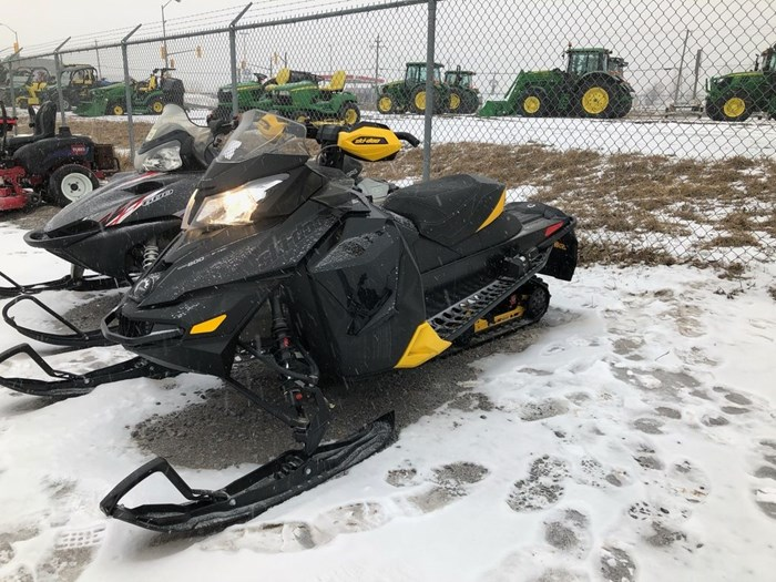 2013 Ski-Doo MX Z X 800R Photo 1 of 3