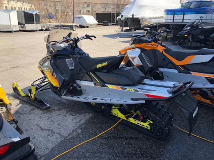 2018 Ski-Doo MXZ® Blizzard Ice Ripper XT 1.25 Rotax® Photo 9 of 15