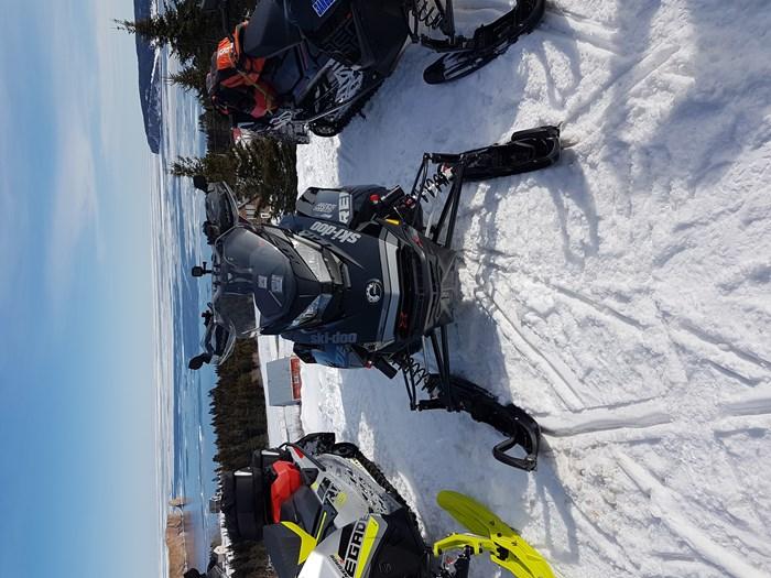 2018 Ski-Doo Renegade xrs Photo 4 of 5