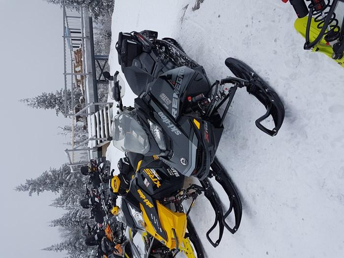 2018 Ski-Doo Renegade xrs Photo 5 of 5