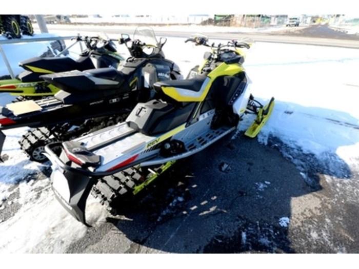 2019 Ski-Doo MXZ X-RS 850 E-TEC E.S. w/ Adj. Pkg, Ice Photo 4 of 9