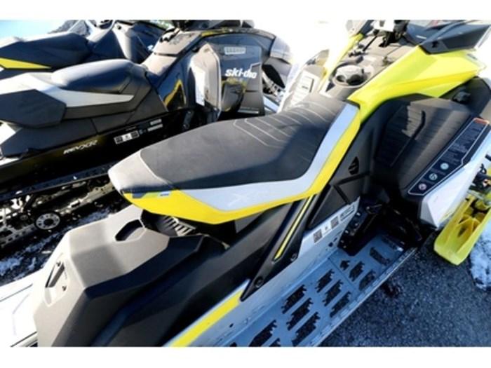 2019 Ski-Doo MXZ X-RS 850 E-TEC E.S. w/ Adj. Pkg, Ice Photo 6 of 9
