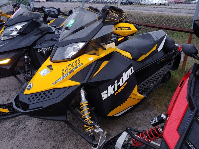 2012 Ski-Doo MXZ TNT 800 Photo 2 of 5