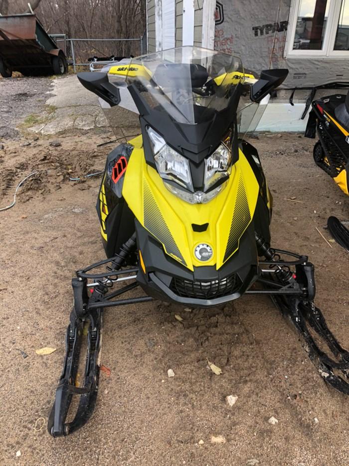 2018 Ski-Doo MXZ® X 600 H.O. E-TEC® - Sunburst Yellow/Black Photo 1 of 2