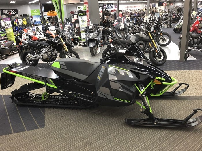 2017 Arctic Cat M 8000 Limited ES (162) 2.6 Photo 2 sur 4