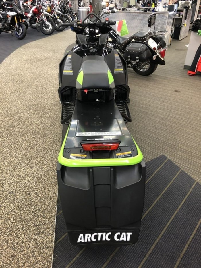 2017 Arctic Cat M 8000 Limited ES (162) 2.6 Photo 4 sur 4